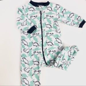 """Dinosaurs"" baby sleeper"